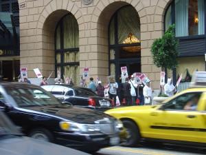 Streik vor dem Omni Hotel San Francisco